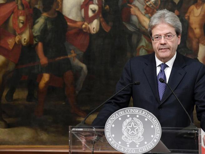 Sottosegretari, Gentiloni resiste: l'ultima trattativa con Verdini