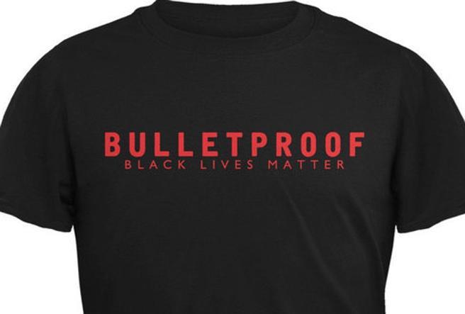Usa, la polizia contro Amazon: «Smettete di vendere  t-shirt che ispirano odio anti-agenti»