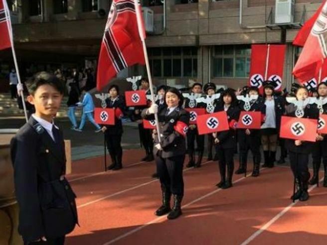 Taiwan: se la scuola organizza la parata nazista per gli studenti