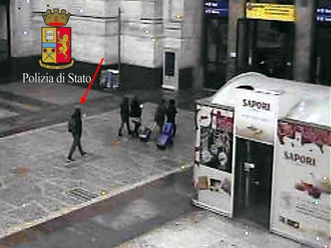 Berlino avvertì l'Italia più di 7 mesi fa  «Fermate Anis Amri, è pericoloso»  Foto