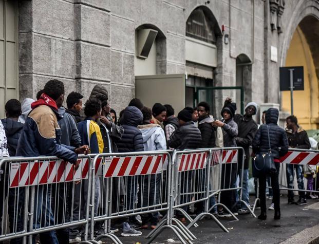 Allarme terrorismo, 100 profughi al giorno lasciano Milano