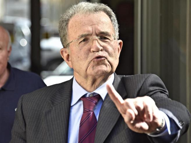 Prodi: «No a un sistema di voto anti Grillo, rischierebbesolo di fargli un favore»