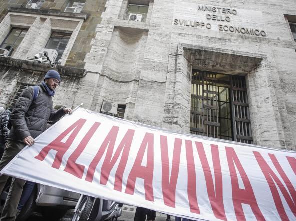 Almaviva, niente accordo azienda-sindacati: licenziati 1666 lavoratori