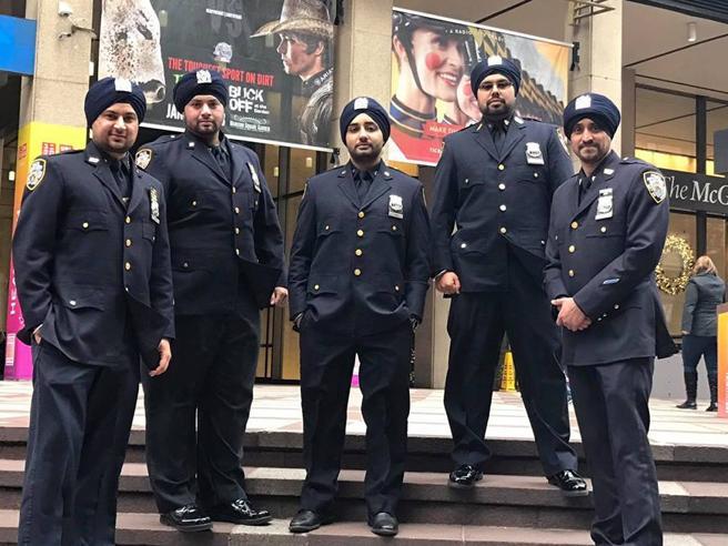 A New York  poliziotti  col   turbante Nuove regole per gli agenti Sikh