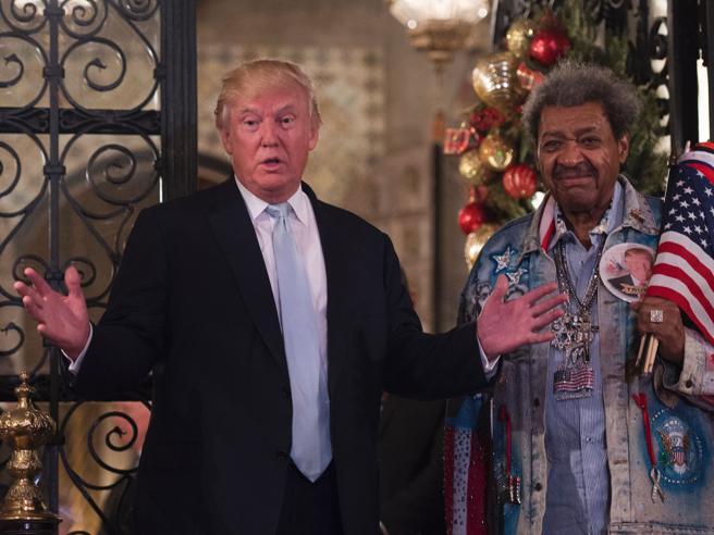 Trump e l'improvvisa conferenza stampa  con Don King Le foto