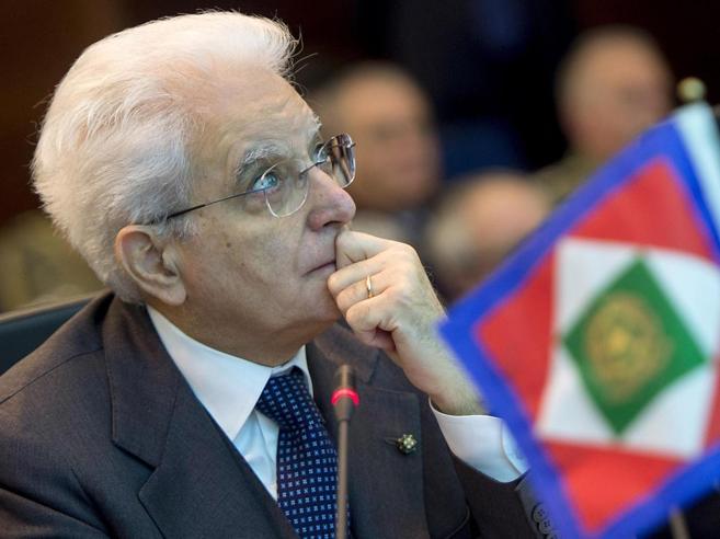 Mattarella e il Paese «sfibrato»Il richiamo ai doveri dei politici