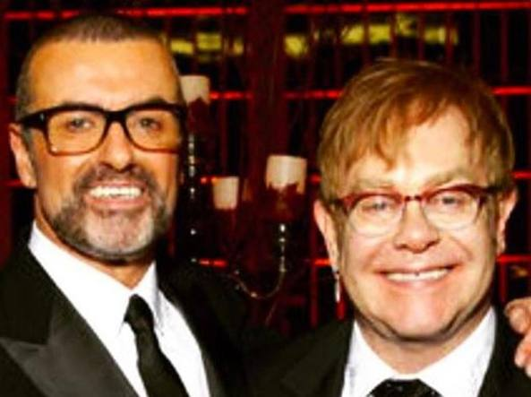 Elton John in lacrime canta per il suo amico George Michael