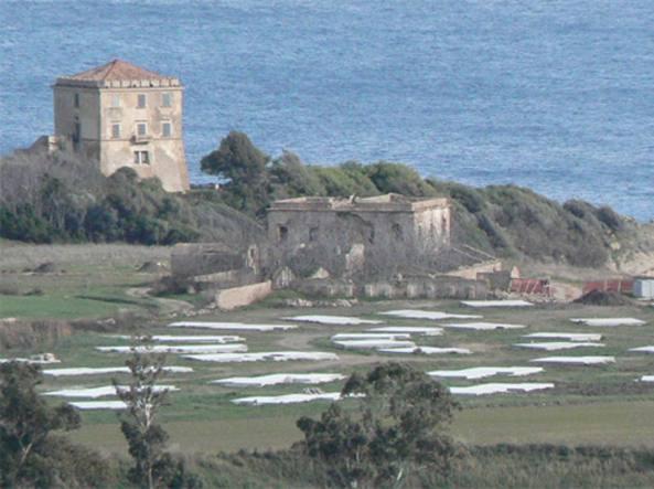 L'area vincolata accanto alla Torre Scifo, nella costa calabrese