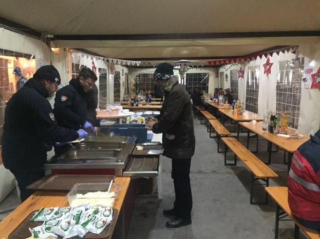 Fiastra,  i carabinieri e  ex militari «Cena coi terremotati, poi a casa»