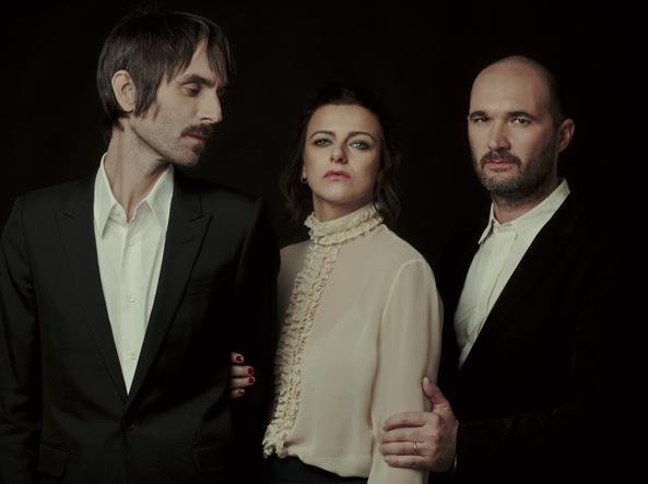 I membri del gruppo Baustelle. Da sinistra: Francesco Bianconi, Rachele Bastreghi e Claudio Brasini