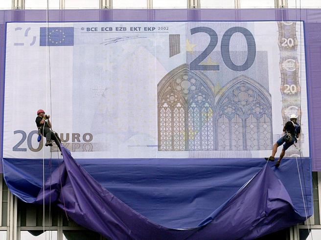 L'euro ha 15 anni. Dalla nascita alla Grexit, storia  della moneta Ue