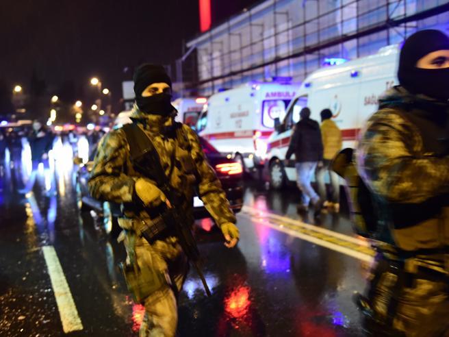 Turchia,  aeroporti, stadi, autobus:  una scia di sangue lunga un anno Le schede