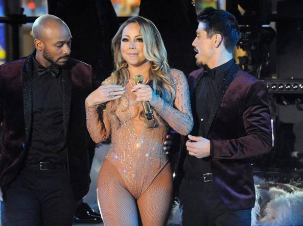 Mariah Carey, figuraccia in diretta tv a Times Square