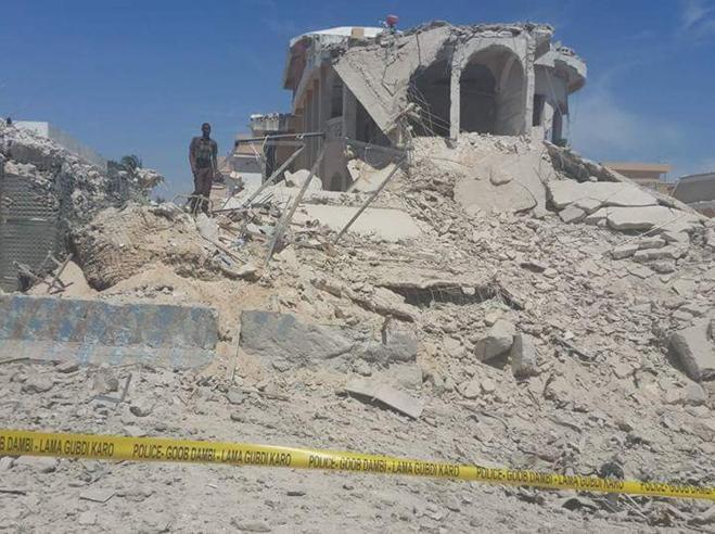 Autobomba a Mogadisciocontro i peacekeeper: 3 morti