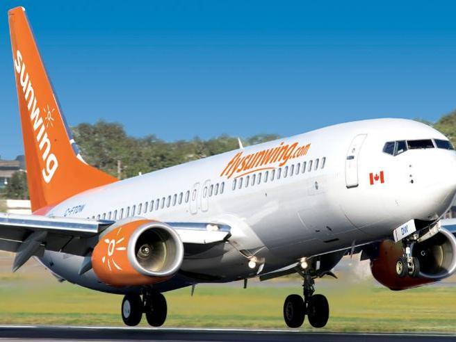 Canada, pilota ubriaco arrestato in cabina poco prima del decollo