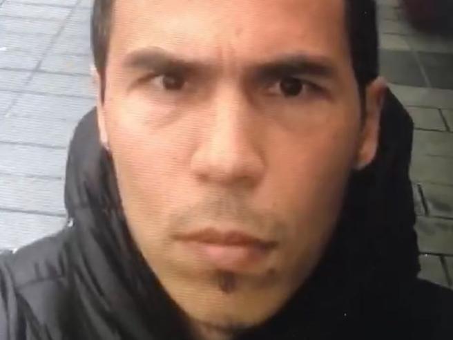 Addestrato, spietato e venuto dall'Asia cosa sappiamo finora del killer di Istanbul