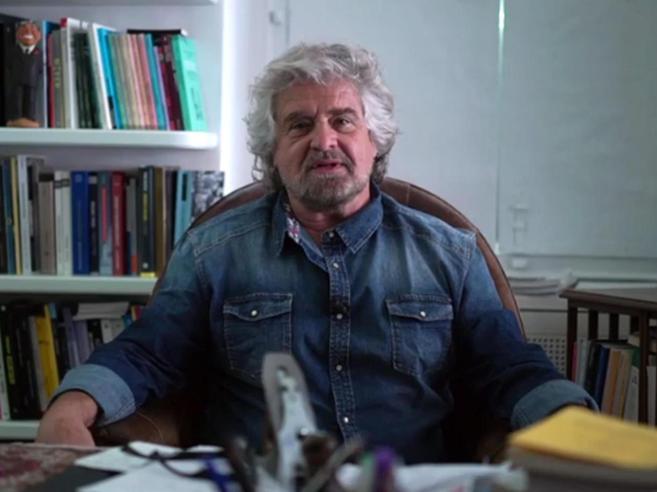 La proposta di Grillo: «Una giuria popolare contro le balle pubblicate da giornali e tv»