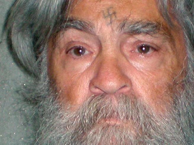 Il serial killer Manson  malato grave: ricoverato in ospedale