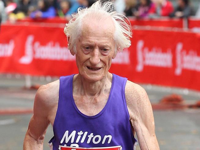 Ed  sorprende i medici a 85 anni «La maratona in meno di 4 ore»