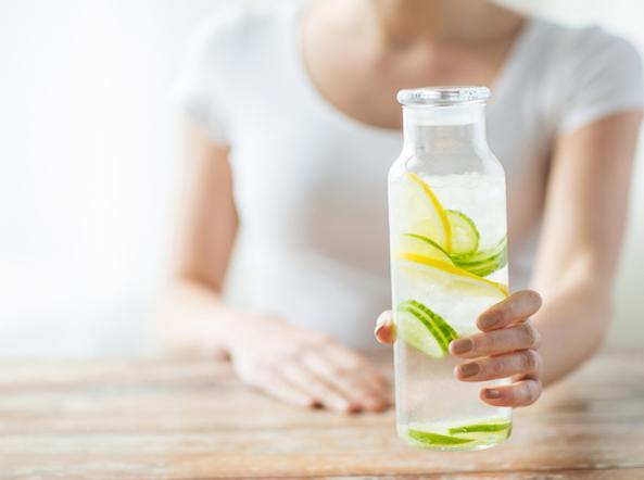 Beve troppa acqua e tisane, 47enne inglese finisce in terapia intensiva