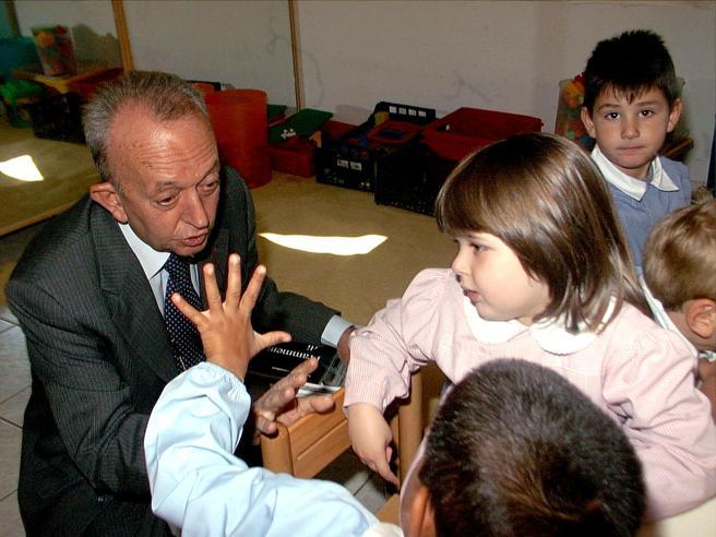 Morto Tullio De Mauro Linguista, fu anche  ministro della Pubblica Istruzione