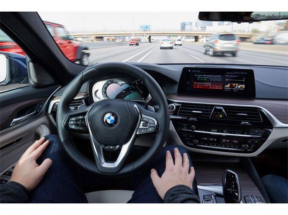 Eccoci al posto di «guida» della Bmw Serie 5 G30, a guida autonoma
