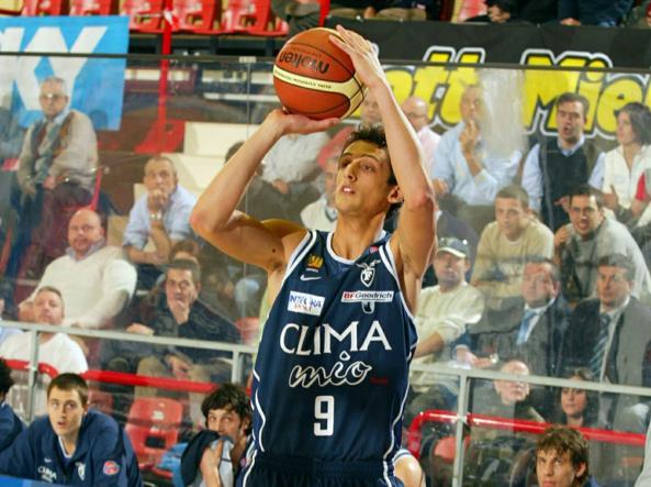 Marco Belinelli con la maglia della Fortitudo (Ciamillo e Castoria)