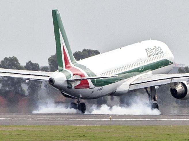 Il nuovo piano di Alitalia Una compagnia «lowcost» e una lungo raggio Fotostoria