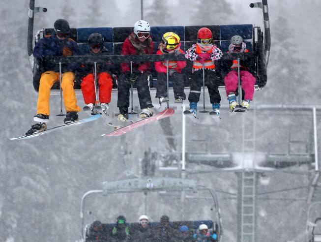 Sciare in Appennino: la neve c'è, il problema è il forte vento