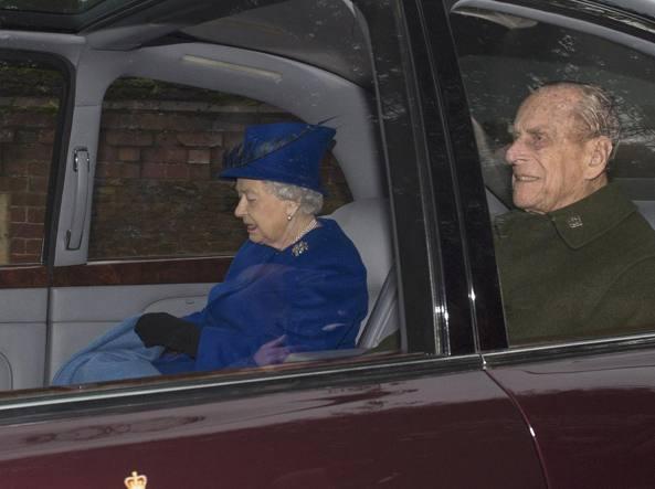 Gran Bretagna, la Regina Elisabetta ricompare in pubblico