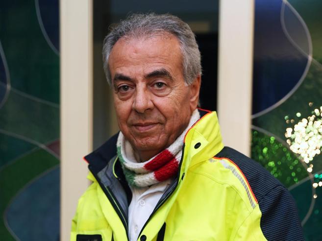 """L'ambulanza del """"dottor Cicogna""""Fa nascere solo bimbe. Per strada"""