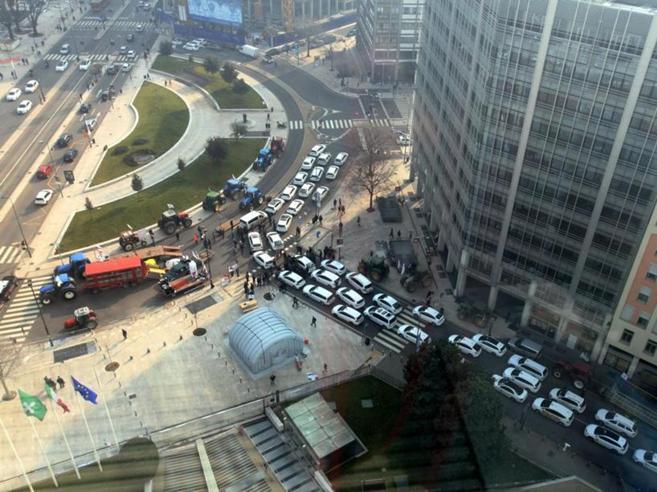 Taxi, minacce di scioperi a Milano contro i turniBoicottato   il  7777|Costi