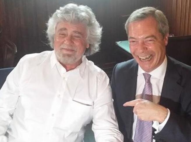 Grillo, addio a Farage per i liberaliIn gioco i soldi e le cariche: chi resta senza un gruppo perde 700 mila euro