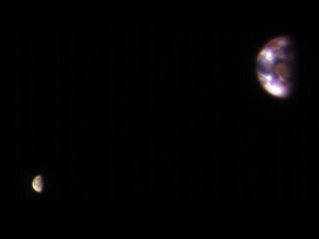 La Terra vista da Marte in una nuova affascinante immagine