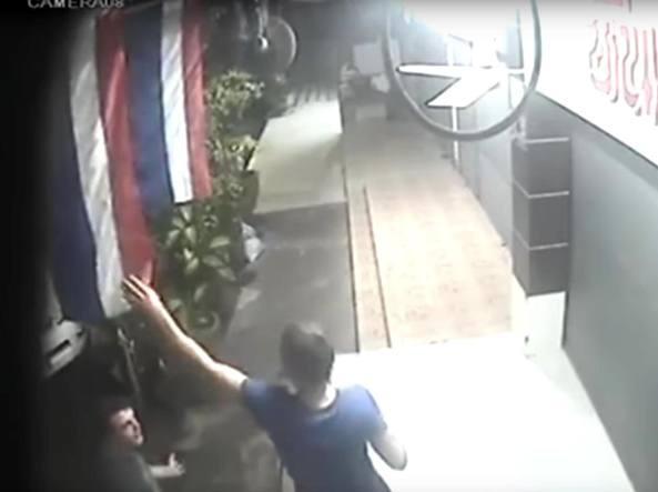 Liberi giovani arrestati in Thailandia