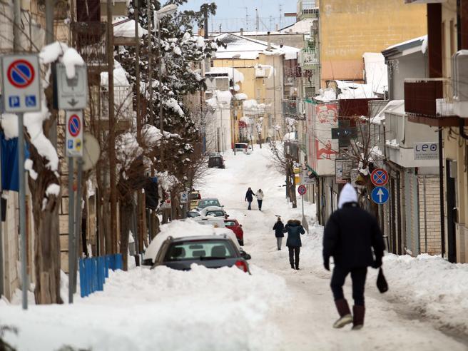 L'Italia ancora al freddo: arrivano due settimane di gelo | Oggi neve a Milano