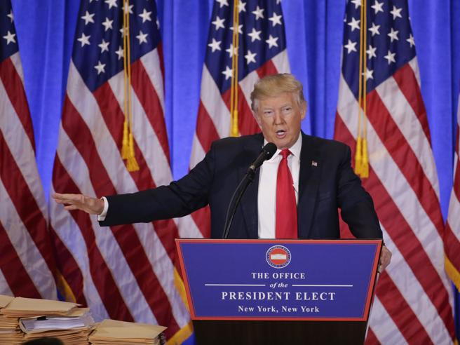 Trump |  «Ci sono i russi dietro gli hackerL'Isis? Lo ha creato Obama»