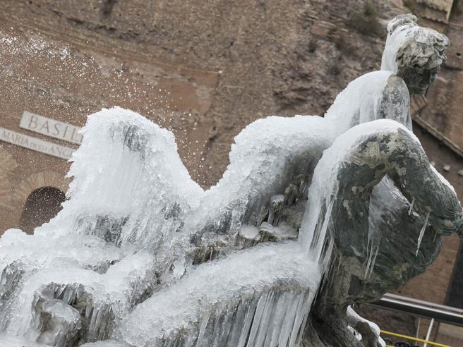 Meteo, ancora freddo: attesa nuova ondata di gelo con vento e neve