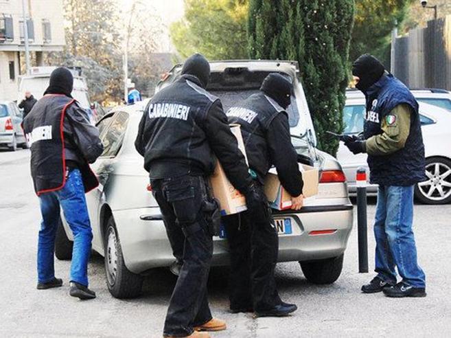 Mafia, droga e traffico d'armi: decine di arresti tra Bari e Altamura