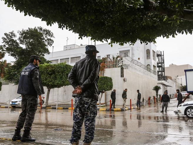 Libia, cresce sentimento anti-italiano«Ci state occupando come nel 1911»