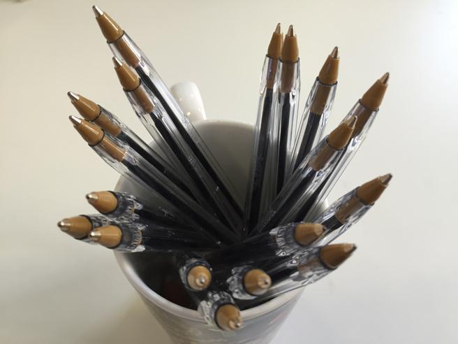 L'industria cineseha imparato a realizzare da séle penne a sfera