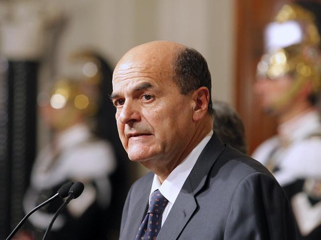 Bersani: «Se serve, avanti fino al 2018 Il governo ha molto  da fare»