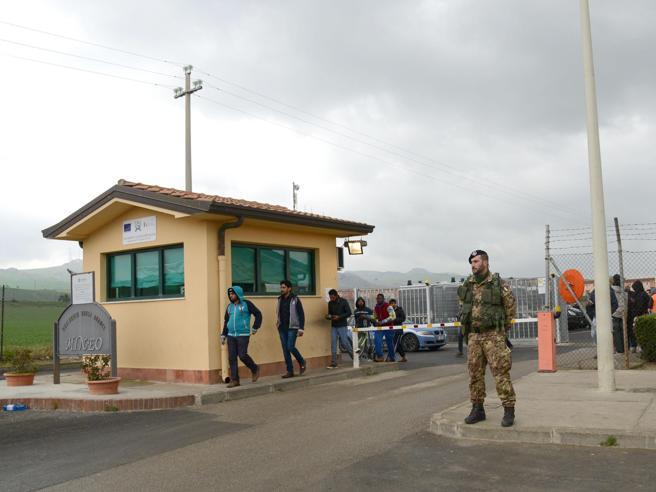 Catania, migrante partorisce bimba«Ma io aspettavo due gemelli»