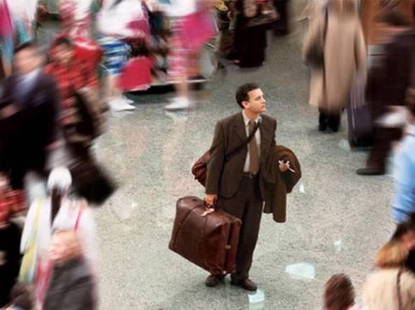 Donna disagiata per nove mesi vive all'interno dell'aeroporto di Palermo