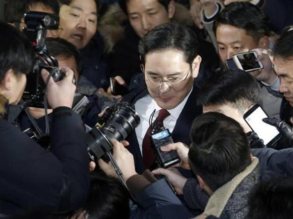 Richiesto l'arresto del leader di Samsung Lee Jae-yong, terremoto in Corea