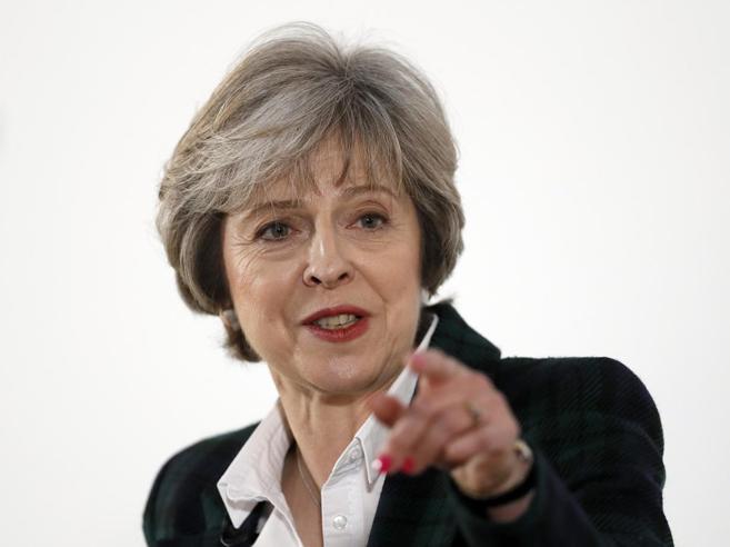 Brexit, ecco il piano di May: «Divorzio netto dall'Ue, stop a libera circolazione cittadini»