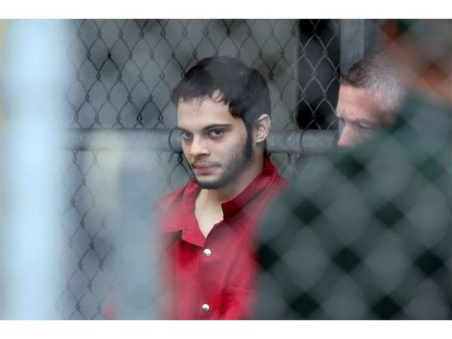 Il  killer di Fort Lauderdale:«Ho agito in nome di Isis» FotoGli spari in aeroporto: il video