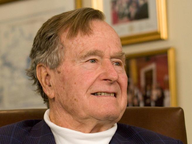 L'ex presidente americano George Bush ricoverato a Houston