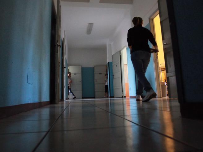 «Spia degli sbirri» La rivolta dei 13 baby detenuti del Beccaria