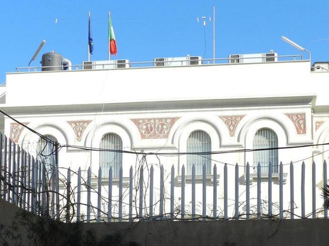 Autobomba vicino all'ambasciata italiana a Tripoli: 2 morti